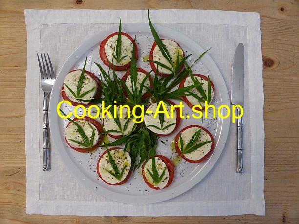 Tomate mit Mozzarella und Hanf, groß